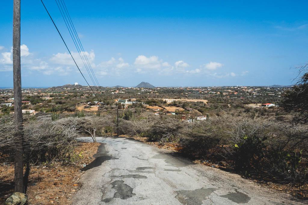 Straße im Insellinneren Aruba