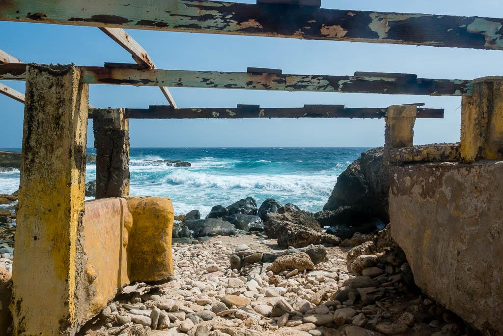 Ruine am Strand im Norden von Aruba