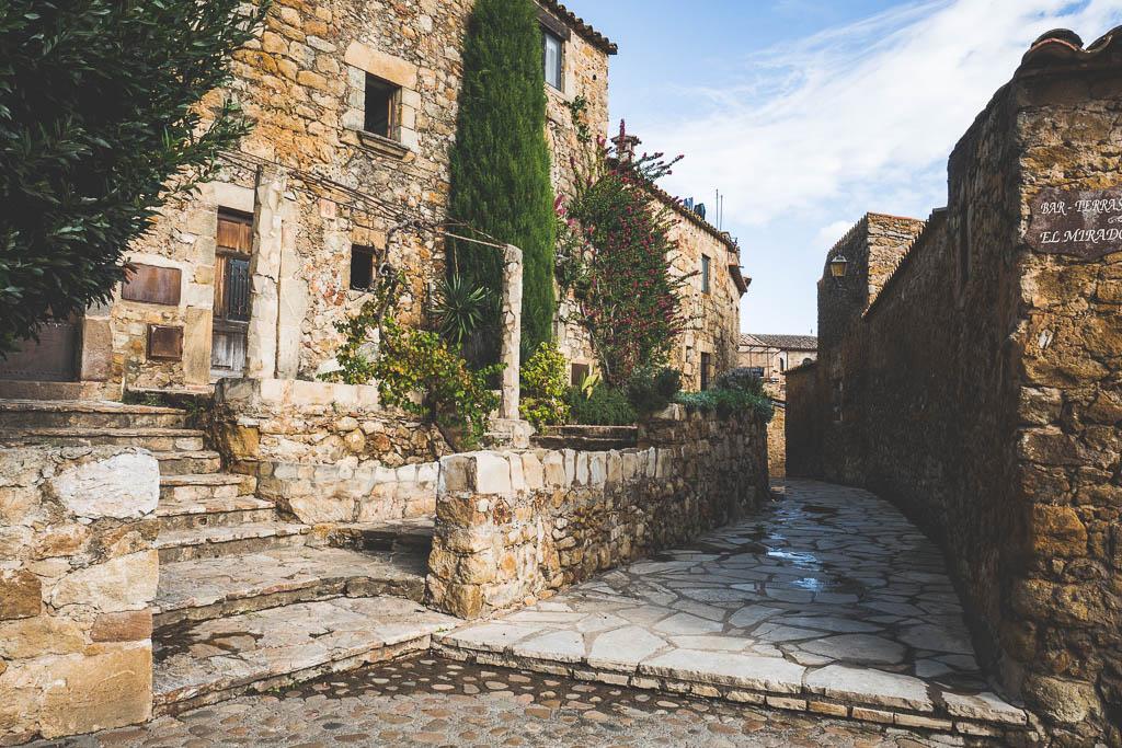 Straße Altstadt Pals Katalonien