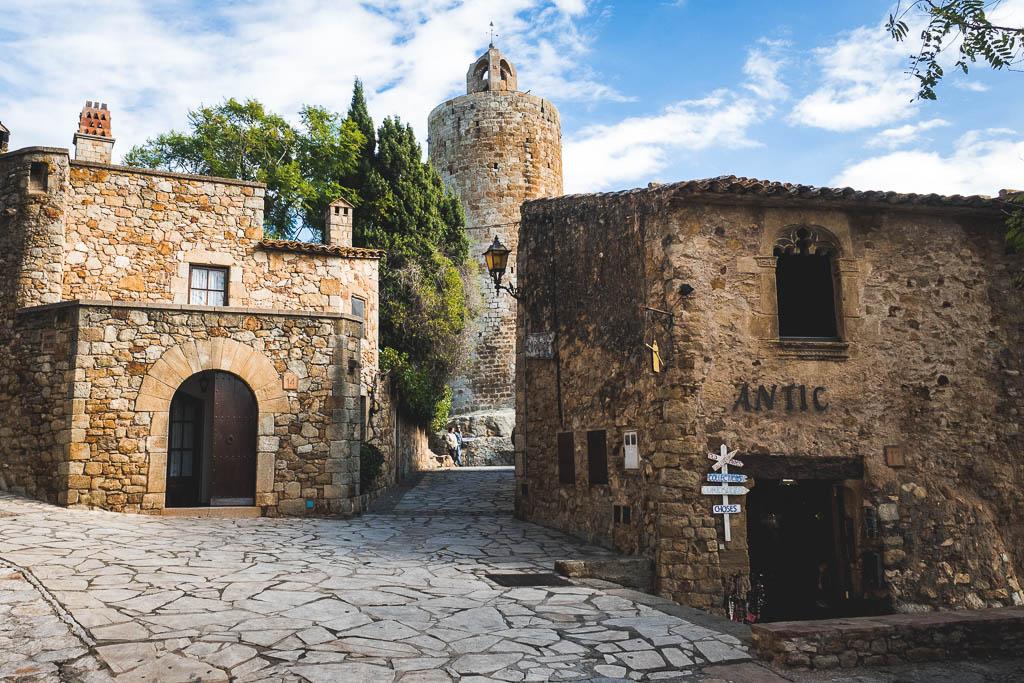 Burg Turm Altstadt Pals Katalonien