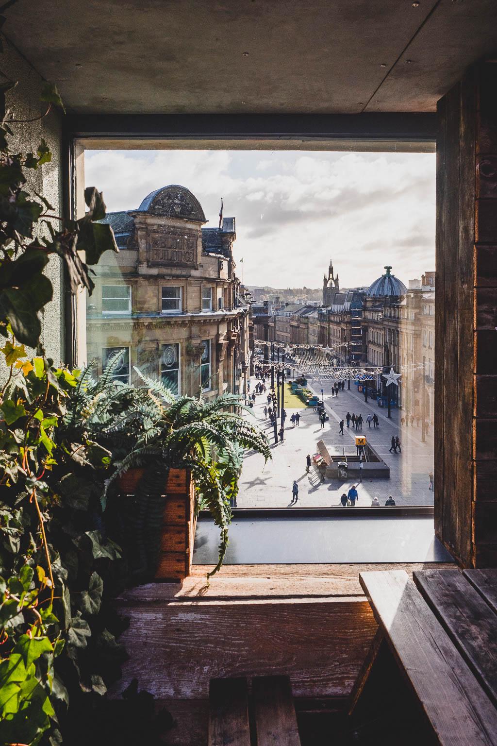 Bar The Botanist Newcastle Blick auf Grey Monument