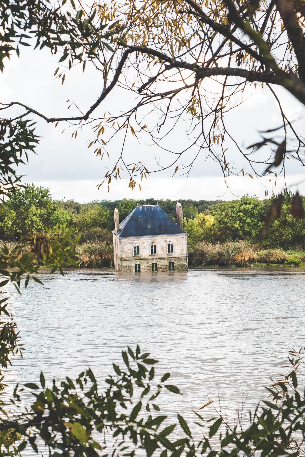 Maison dans la Loire Estuaire Kunst am Fluss Nantes Frankreich
