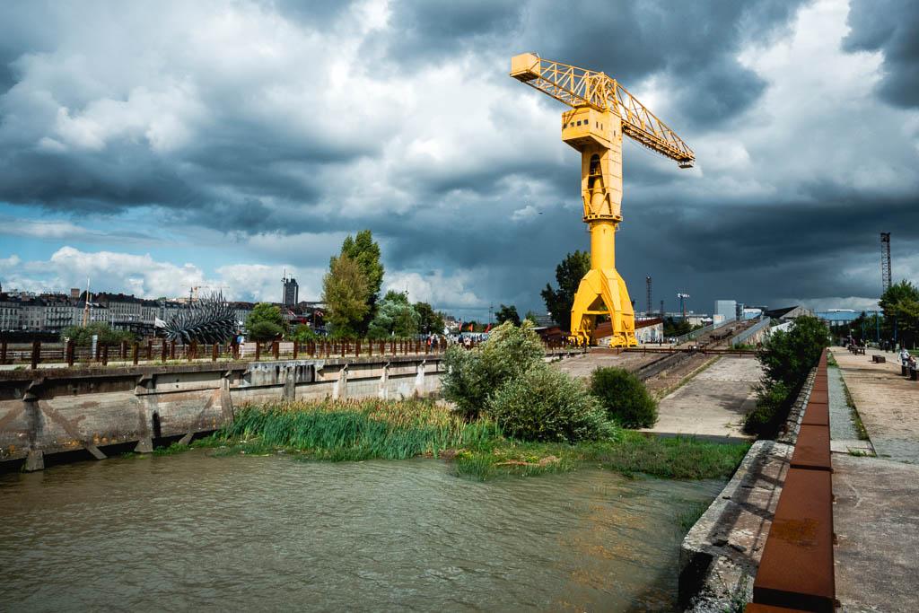 Kran Île de Nantes Frankreich