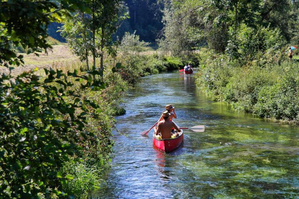 Kanu- Das Große Lautertal auf der Schwäbischen Alb Ausflug im Sommer