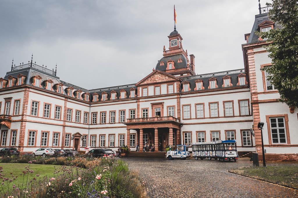 Märchenbahn vor Schloss Philippsruhe Hanau