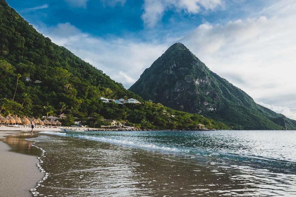 Strand mit Blick auf Pitons Hotel Sugar Beach Resort Saint Lucia