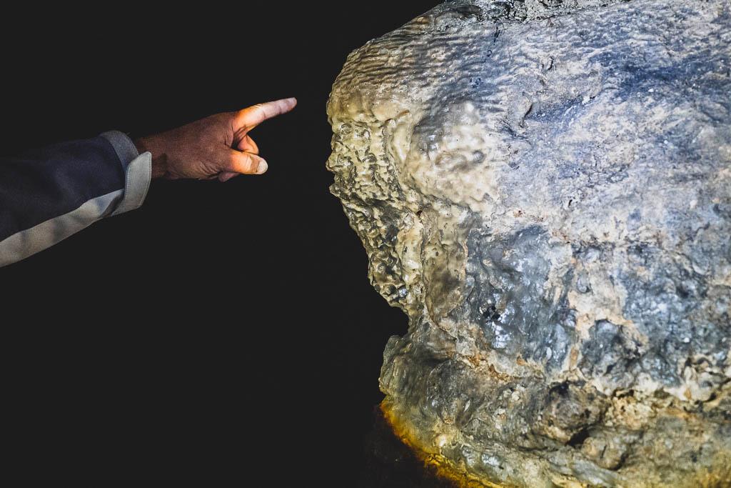 Teufel im Felsen Teufelshöhle Steinau an der Straße Spessart
