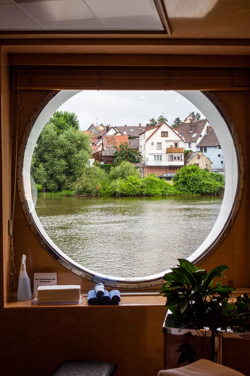 Ausblick aus Wellnessbereich: Flusskreuzfahrt Main-Donau-Kanal: Von Passau nach Frankfurt am Main mit der MS BELVEDERE