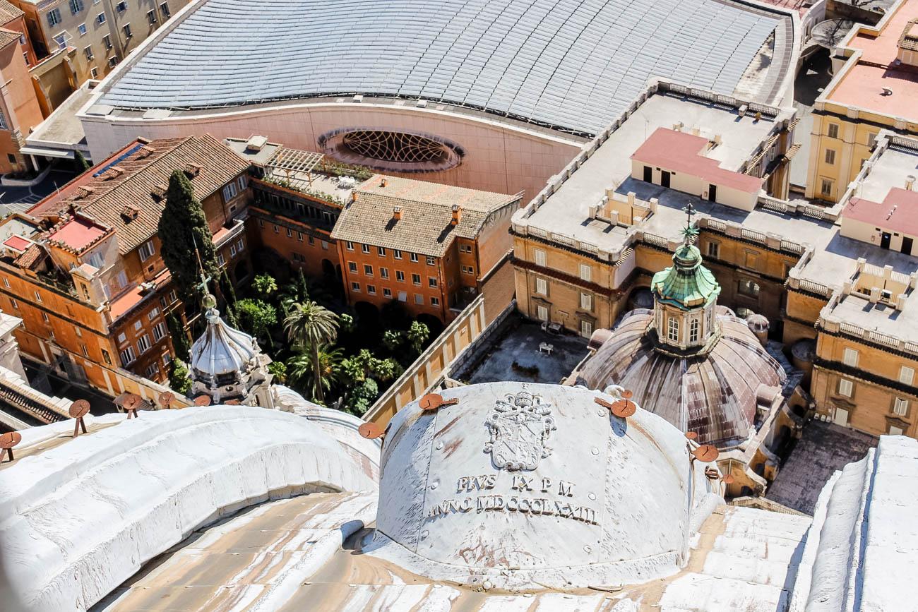Der deutsche Friedhof in Rom: Ein Besuch auf dem Campo Santo Teutonico im Vatikan