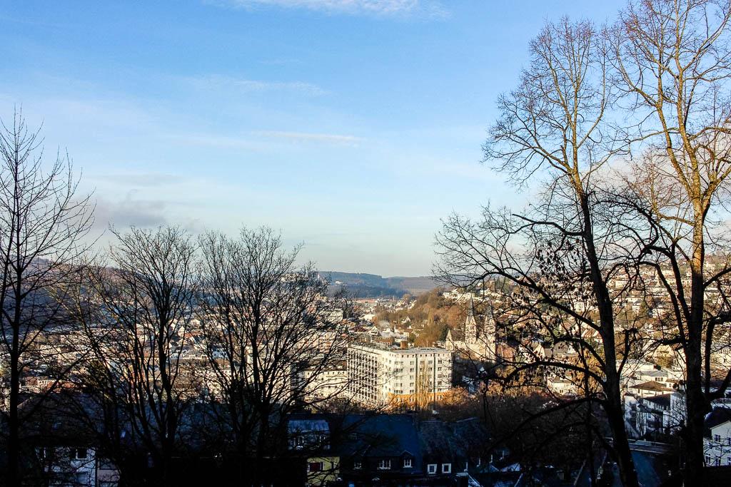 Ausblick vom oberen Schoss: Warum sich ein Ausflug nach Siegen lohnt: Sehenswürdigkeiten und Tipps