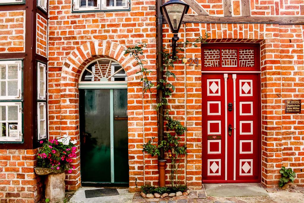 Türen und Fenster in Lüneburg 10 Dinge die man in Lüneburg machen sollte! Sehenswürdigkeiten und Tipps für die Hansestadt