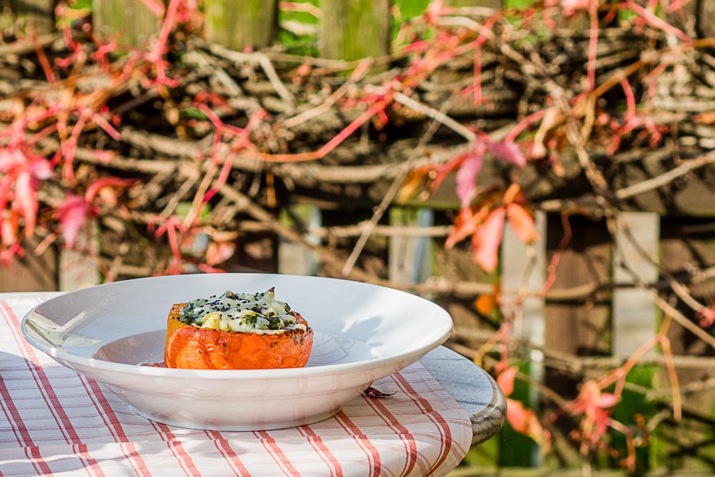 Kochtopfspionin im Syring- und Fliederhof: Rezept für Kürbis mit Spinat-Tofu-Füllung