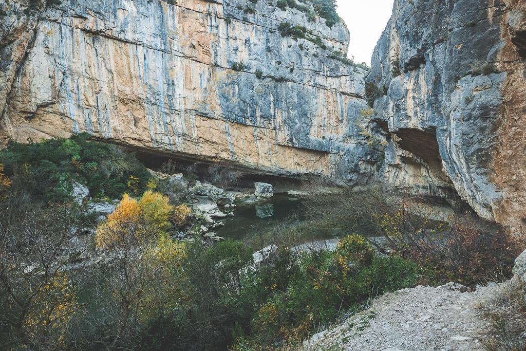 Wandern im Lumbier Canyon in der Navarra in Spanien